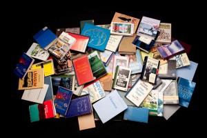 Könyvek, folyóiratok, újságok az Antikvár kínálatában